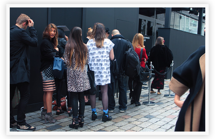london-fashion-week-style-hunter-get-the-look-with-office-queue-2